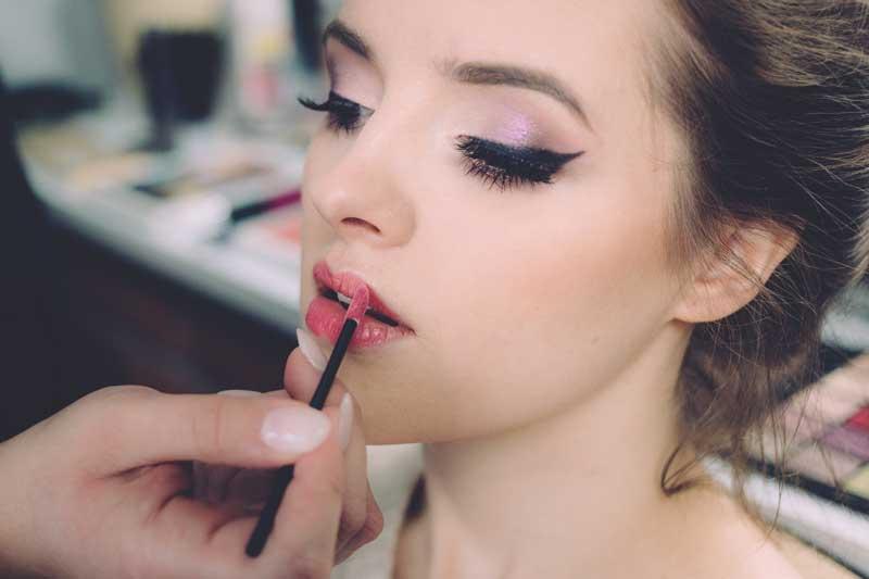 korekcija usana šminkom