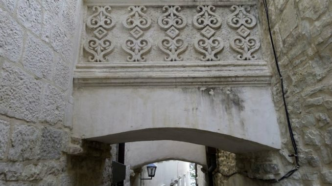 Korčula: Senka Marka Pola 1
