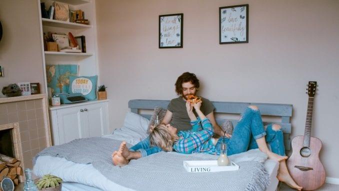 Njujrok: Upustva za ljubavnike u eri epidemije 1