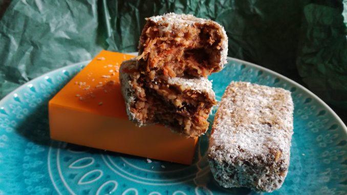 Kolač sa šargarepom i urmama (recept) 1