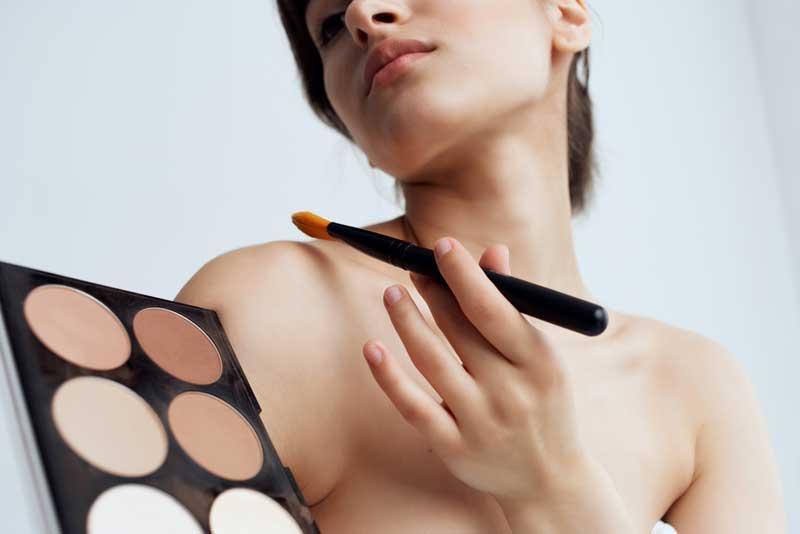 povećanje grudi šminkom