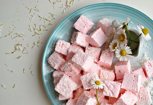 Recept nedelje: Penaste bombone sa jagodama (marshmallow) 2