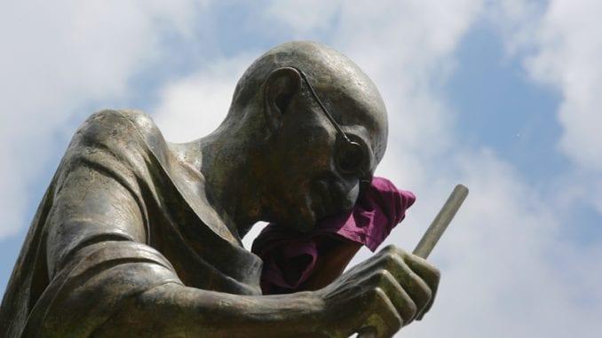 Naočare Mahatme Gandija prodate na aukciji u Bristolu za 260.000 funti 1
